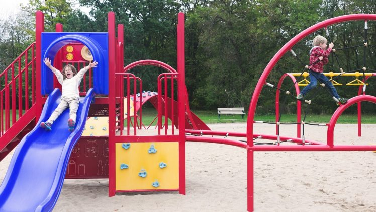 Safety Tips You Should Display with Your Outdoor Play Module